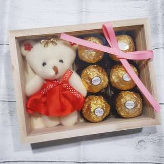 Vday Bear Chocolate Gift set - Red
