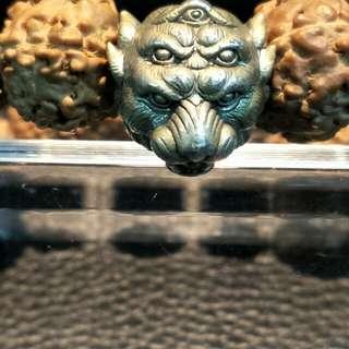 🚚 阿贊蘇濱 五眼四耳符珠 加上五瓣十二吋金剛菩提 越戴越亮 增加能量 降低不好的磁場