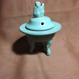 北宋汝窑瓷器Song dynastyRu kiln porcelain ware 13 cm high  offer above 3800 secured .