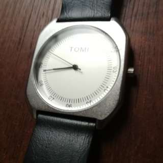 Tomi watch black
