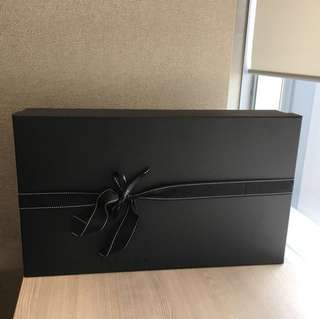 Net-A-Porter gift box (58cm L x 34cm W x 12cm H)