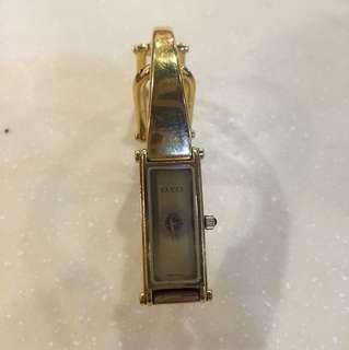 Cucci要修理 The watch is broken.