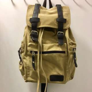卡其色背囊 backpack