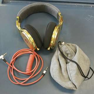 Beats by dre headphones(Monster) with original wire