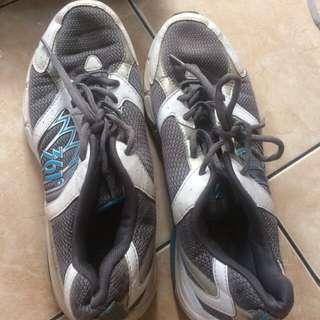 361 sepatu original