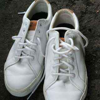 Sepatu sperry / sneakers sperry size 43-44