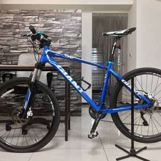 GIANT XTC SE 3 門市售價:NT 26,800 目前售價:NT 16,000 (no more discount)車況良好,購入至今騎乘三次,附車架、水壺架、頭燈。 官方網址: https://www.giantcyclingworld.com/bike.php?id=672b630d-ac51-4600-ab82-aa7e046742b0