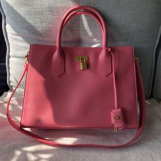 Samantha Thavasa Pink handbag 95% new