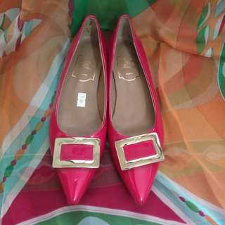 Roger Vivier shoes - red with gold design