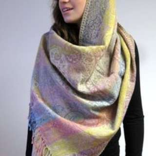 Fab deals on winter scarves ! Get one while stocks last !