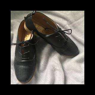 black lace up loafers