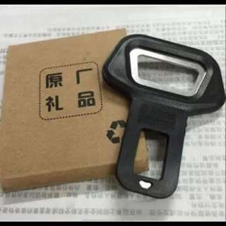 New Arrive Car safety belt clip Brand New and High quality Car Seat belt buckle Vehicle-mounted Bottle Opener Dual-use
