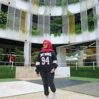 Sweater hitam H&M