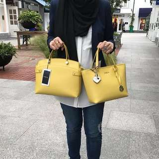 Authentic Furla tote handbay 💯 leather (right side)