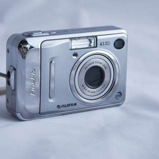 Vintage battery Fujiflim digital camera A400