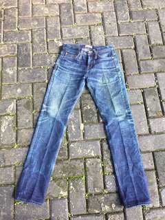 Ubranded Denim 221 210z