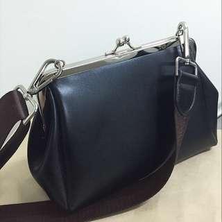 韓國 深棕色 黑色 棕色背帶 祖母包 咖咖包 側背包 斜背包