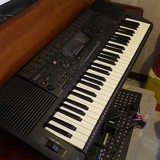 Yamaha PSR-520 keyboard