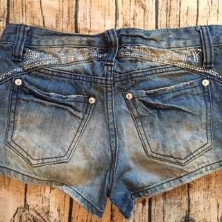 卯丁 水鑽 星星 短褲 牛仔短褲 熱褲