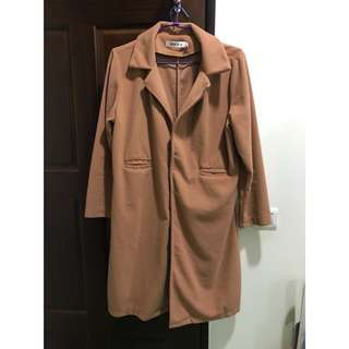 Clothing 棕橘色大衣