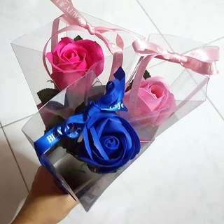 BN Single Soap Roses in Giftbox