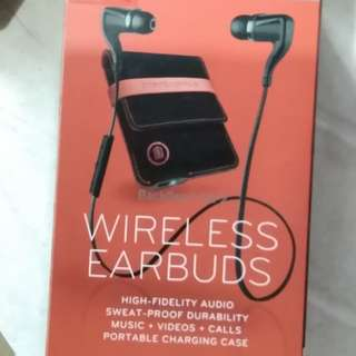 plantronics backbeat go2 wireless earbuds with charging case (black)