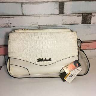 Michaela White Spacious Bag