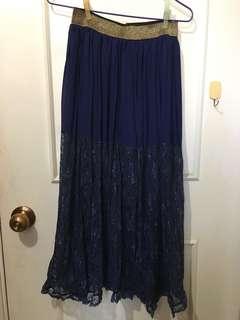 深藍色蕾絲長裙