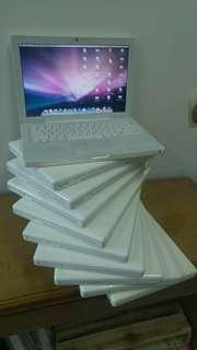 Sundul kan truss.masuk 10unit lg Tak perlu banyak untung.  Dpat buat beli kopi dah cukup😄😄kakakaka Macbook white  Core 2 duo Ram 2 gb Hdd 80 gb Batre woow cc dibawa 100 HARGA cuman....RP xxxx ajeee😍😍😍😍 pasti gregetan hahaa