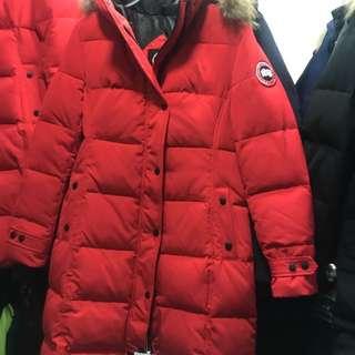 Canada goose 紅色外套說明A