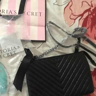 Victoria SecretV Quilt Metallic Crackle Crossbody Bag Black