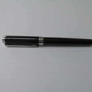 Sheaffer Fountain Pen (Carbon Fibre Print)