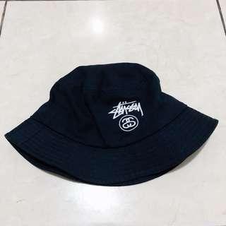 Stussy Bucket Hat.. Gress like New!