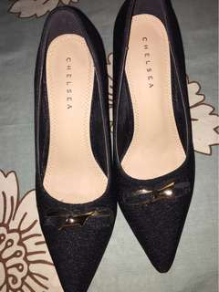 Ladies Shoes / Used 1time only / Good Quality / Purchased date: 2017