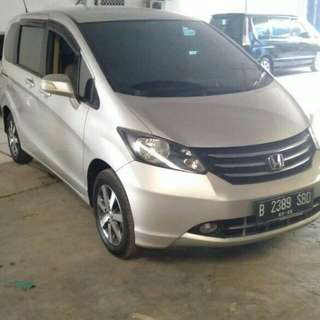 Honda freed PSD AT 2011