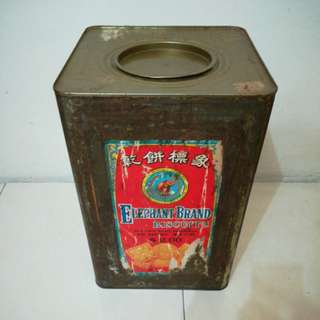 Vintage old biscuits tin