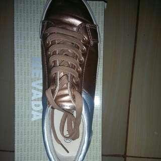 sepatu nevada rose silver, size 38