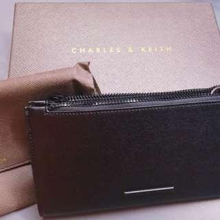 Charles & Keith全新名牌黑色皮斜肩包