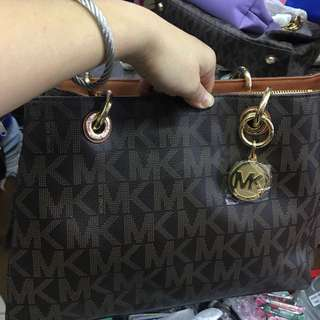 Michael Kors Cynthia Small,made in China