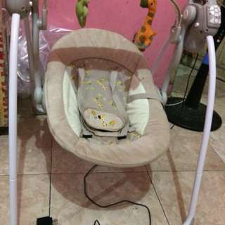 Ayunan bayi elektrik
