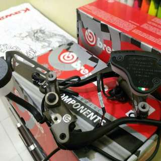 Brembo panigale/signal. Clutch only. Freegift bracket and fluid reservior. NiB