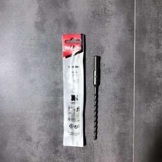 Makita D-00038 (5mm) Concrete Drill Bit