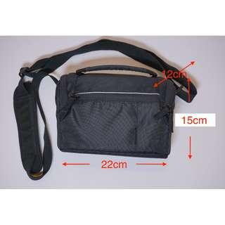 全新SONY原裝相機袋 - 黑色 - Standard size一機兩鏡、輕巧便攜之選