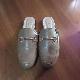 VNC slippers