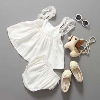 Sleveless baby dress with lace pants