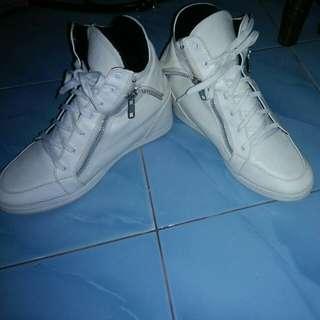 tarissa white sneaker
