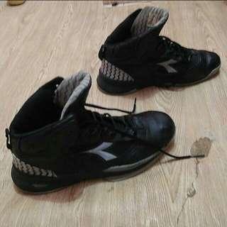 DIADORA PIVOT sepatu basket