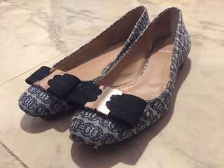 Tory Burch flats 90% new