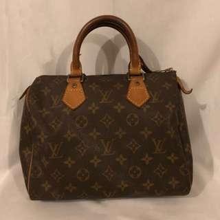 LV Speedy Handbag (💯Authentic)