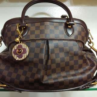 LV bag with flower chain